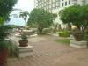 日航アリビラの庭園