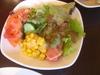 種類の多いサラダ