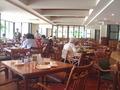 広々とした朝食レストラン