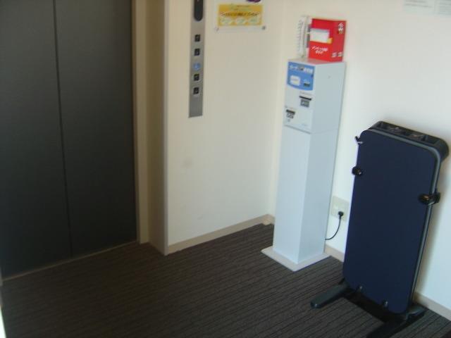 エレベーター周辺