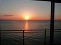 部屋から見る朝日