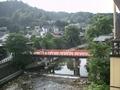 清流宮川、赤い中橋がいかにも古都っぽい