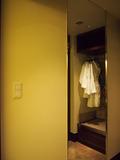 ウォークインクローゼット横の鏡