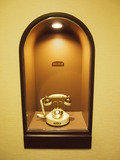 エレベーターホールの電話