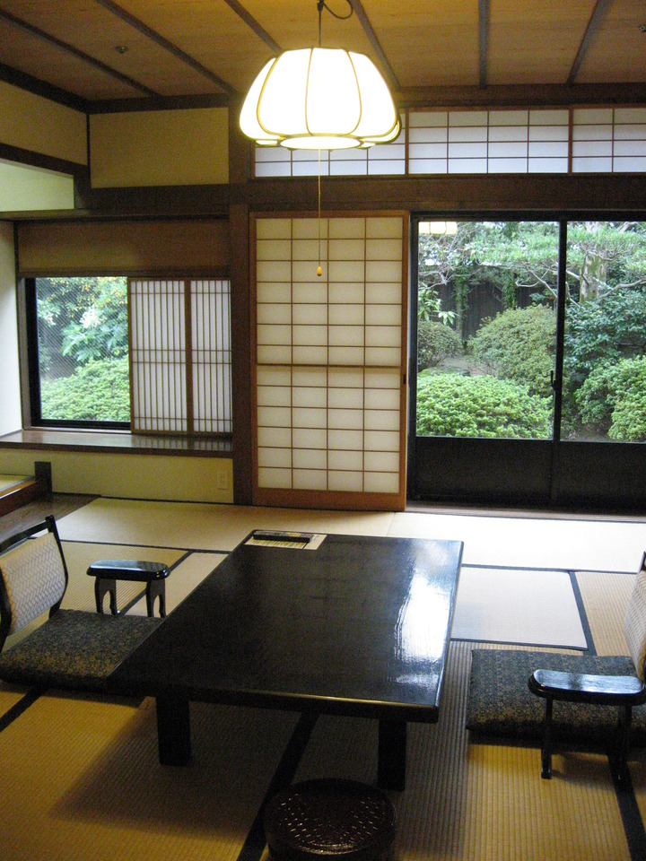 112号室 秋桜の間