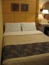 お部屋のベッドです。