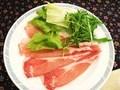 夕食の写真です。(米澤豚一番育ちしゃぶしゃぶ)