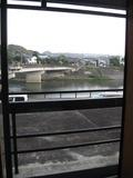 ソファ横の窓からの眺望