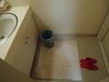 洗面台の足元