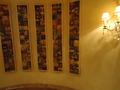 ホテル棟2F~1Fへの階段の壁