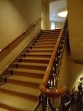 ホテル棟2F~1Fへの階段