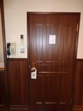 花小宿・客室のドア(居間側)