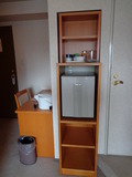 デスク横の冷蔵庫など