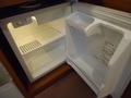 やっぱり空っぽか・・・冷蔵庫