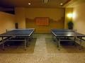 卓球台は 2台あり。