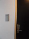 部屋のドア前です
