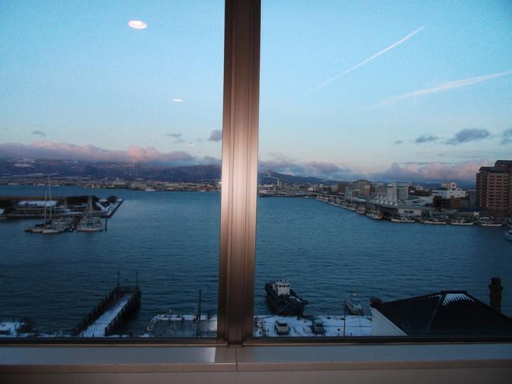 部屋の窓からの風景 1