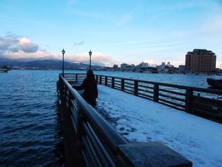 ホテル前に桟橋あり