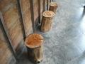 丸太の椅子