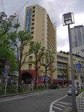 横浜東口すぐにあります。