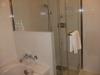 シーホークホテルの部屋内にあるバスルーム