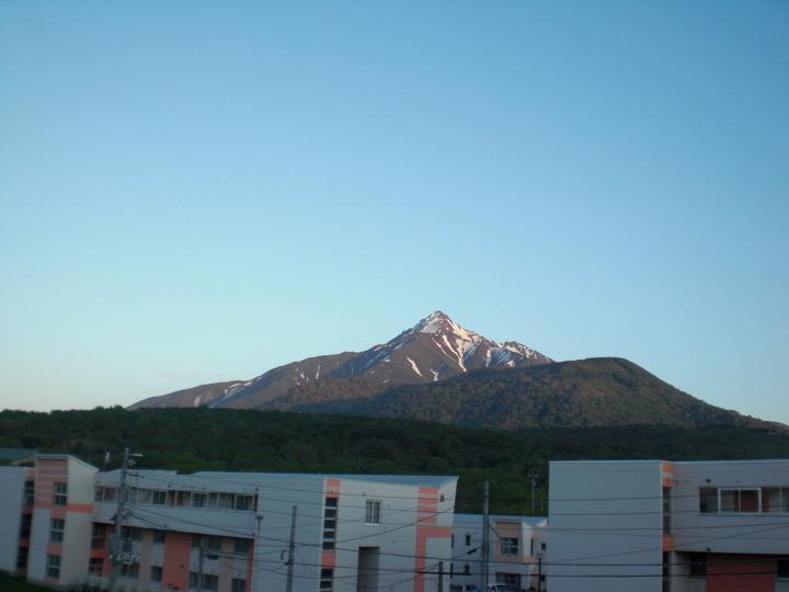 朝日を受ける利尻富士