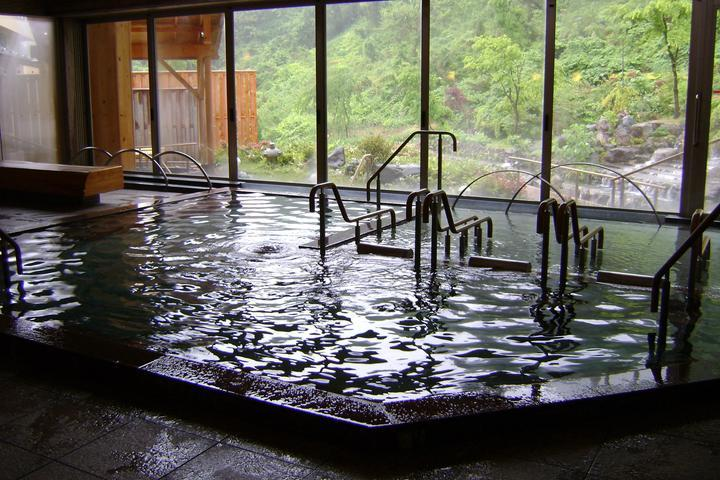 のんびりできる景色の良いお風呂です!