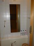 部屋の風呂場鏡