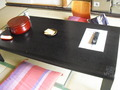 テレビのリモコンとお茶セット
