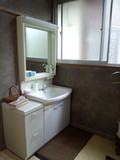 内湯の脱衣所の化粧台