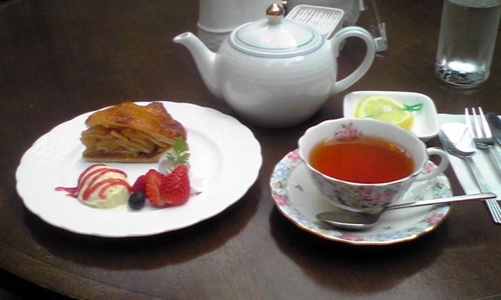 見た目も味もマーベラス☆アップルパイのケーキセット☆