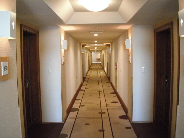 本館客室前の廊下