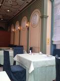 朝食は一階のレストランで。