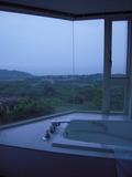 部屋のお風呂は、展望風呂です。