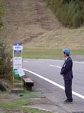 ホテル前に、バス停があります