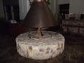 ラウンジの暖炉です