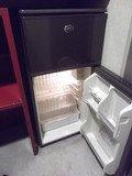 2ドア冷蔵庫です