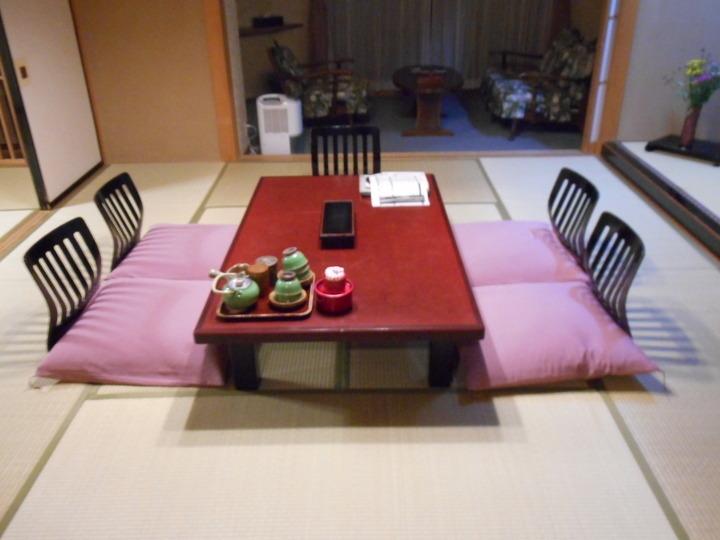 10畳+6畳の和室