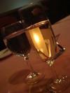 夕食時にスパークリングワイン&ぶどうのジュース