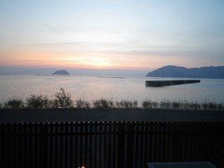 夕食は美味しく部屋から琵琶湖が美しい宿