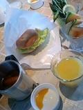 朝食はピクニック気分で・・・