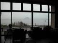 朝のロビーからの眺望