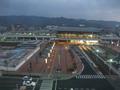 部屋から見る高知駅 (トレインビュー)
