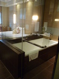 ガラス張りのお風呂