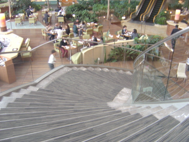 レストランの階段
