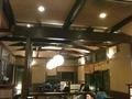 懐かしい作りの大食堂
