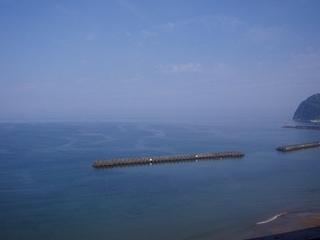 部屋からの景色はとても最高です!海~という感じです!!