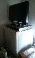 冷蔵庫の上にテレビ