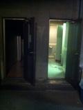 ホテル施設内駐車場トイレ