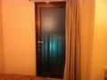 部屋のベランダへの扉